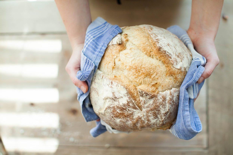 Prosty przepis na chleb bez zakwasu