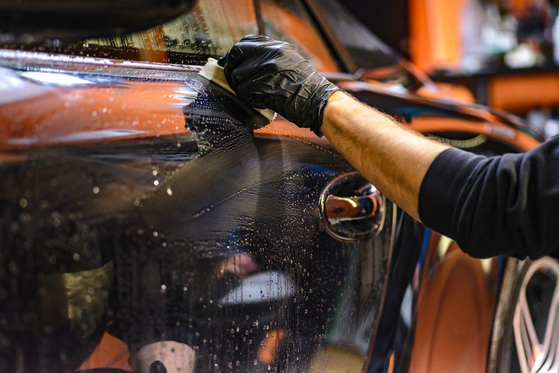 Jak sprzątać i utrzymać porządek w samochodzie