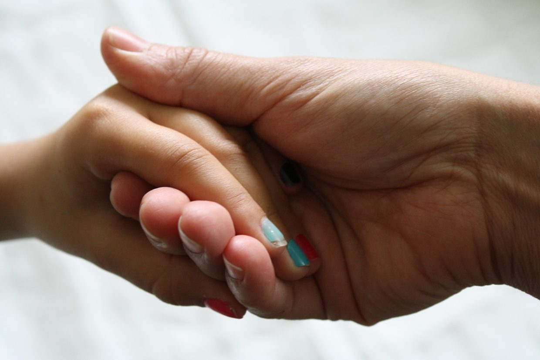 Jak dbać o nasze dłonie?
