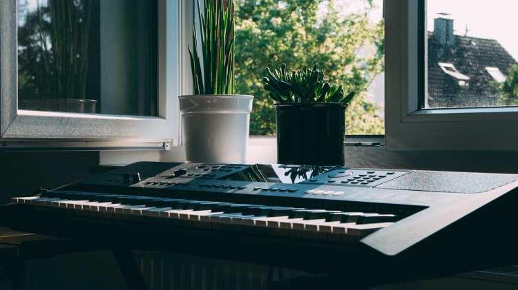 Słaba akustyka w mieszkaniu? Spróbuj paneli akustycznych!