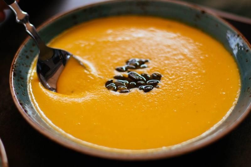 Kremowa zupa z pieczonej dyni